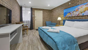 Buccaneer Motel offers accommodation options in Long Jetty The Entrance NSW which includes Deluxe Queen rooms, Deluxe Family rooms, and fully renovated Deluxe Twin Rooms.